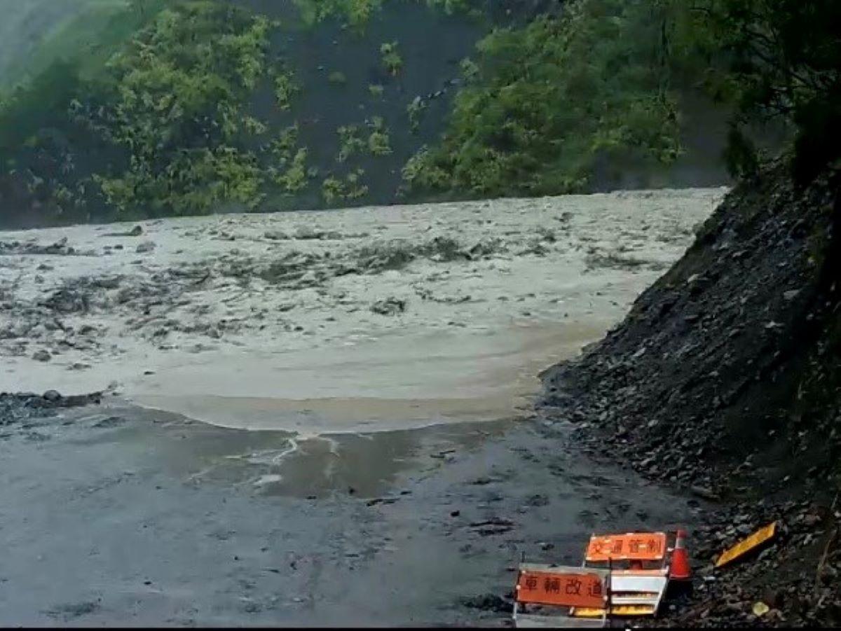 玉穗溪土石流