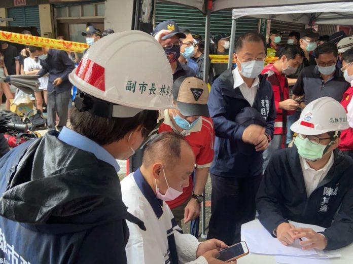陳其邁赴「城中城」火警現場